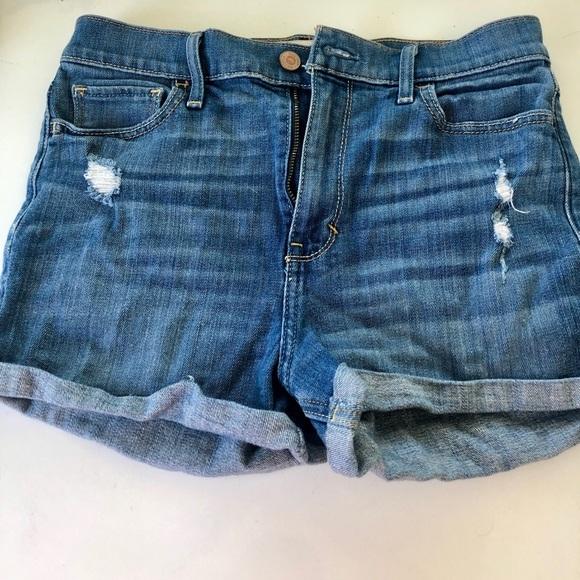 Hollister Pants - High waisted jean shorts